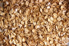 Udziały bezpłatny oatmeal pojęcie gluten uwalnia oatmeal lub owsa płatki jako tło obrazy royalty free