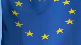 UE, drapeau d'Union européenne ondulant lors de la réunion au sommet à Bruxelles banque de vidéos