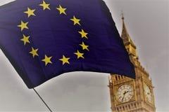 A UE embandeira na frente de Big Ben Imagens de Stock Royalty Free