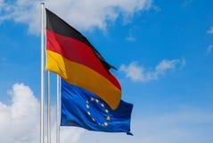 UE et drapeaux allemands Images stock