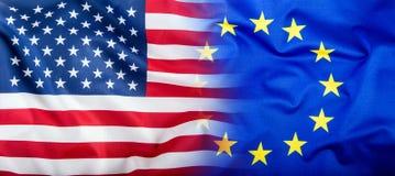 UE et les Etats-Unis Euro drapeau et drapeau des Etats-Unis Photos stock