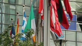 UE toute marque des sièges sociaux Bruxelles de bâtiment du Parlement européen banque de vidéos