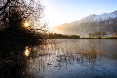 Uebeschisee in de ochtendzon - Zwitserland, Europa stock afbeeldingen