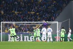 UEFA verdedigt de Dynamo Kyiv van het Ligaspel FC binnen versus de Stad van Manchester Royalty-vrije Stock Fotografie