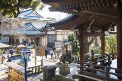 UENO, ΙΑΠΩΝΊΑ - 19 ΦΕΒΡΟΥΑΡΊΟΥ 2016: Η λάρνακα Tenjin Gojo στην ισοτιμία Ueno Στοκ φωτογραφία με δικαίωμα ελεύθερης χρήσης