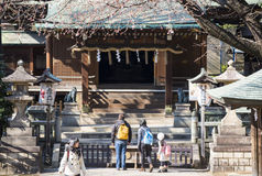 UENO, JAPAN - FEBRUARY 19, 2016 : Gojo Tenjin shrine at Ueno par royalty free stock image