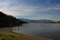 Ufer von See laveno Stockfoto