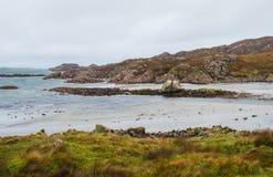 Ufer am Westpunkt der Insel von Mull, Schottland lizenzfreies stockbild
