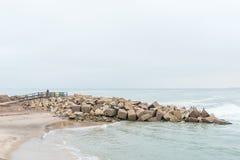 Uferdamm beim Molen in Swakopmund Lizenzfreies Stockbild