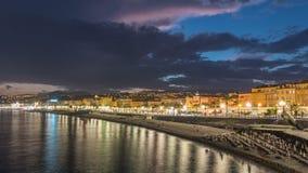 Ufergegend der Nizza Stadt und des Mittelmeertages zum Nacht-timelapse stock video