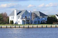 Ufergegend-Eigentum Stockfoto