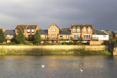 Ufergegend-Häuser stockfotos
