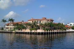 Ufergegend-Haus Stockfoto