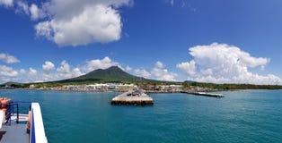 Ufergegend u. Fährhafen 2 Charlestown Nevis Stockbild