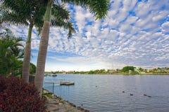 Ufergegendansichten von der Villa Lizenzfreie Stockbilder