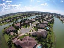 Ufergegendhäuser in Florida-Vogelperspektive Stockfotos