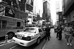Ufficiali di polizia di New York City su una via Fotografia Stock Libera da Diritti