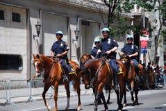 Ufficiali di polizia di NYPD in servizio in New York Fotografia Stock Libera da Diritti
