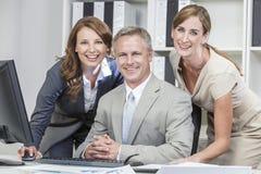 Ufficio della squadra di affari delle donne di affari dell'uomo d'affari Immagine Stock Libera da Diritti