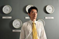 Ufficio di affari con gli orologi 5 fotografie stock