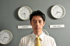 Ufficio di affari con gli orologi Fotografie Stock Libere da Diritti