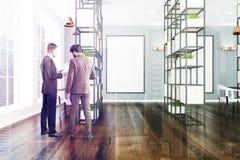 Ufficio grigio e bianco, piante, manifesto, la gente Fotografie Stock Libere da Diritti