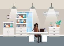 Ufficio moderno con seduta nera dell'uomo d'affari illustrazione vettoriale