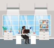 Ufficio moderno con seduta nera dell'uomo d'affari royalty illustrazione gratis