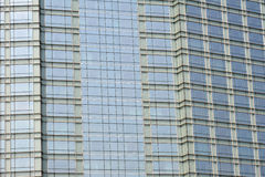 Ufficio moderno sotto cielo blu. Immagini Stock Libere da Diritti