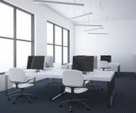 Ufficio open space bianco interno, pavimento scuro della tavola royalty illustrazione gratis