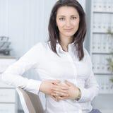 Ufna biznesowa kobieta na miejscu pracy w biurze Zdjęcia Stock