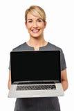 Ufny bizneswoman Pokazuje laptop Zdjęcie Royalty Free