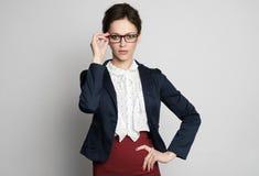 Ufny bizneswoman w eyeglasses obraz stock