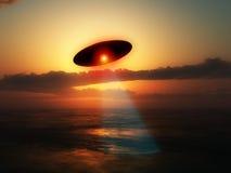 UFO över vatten Arkivbild