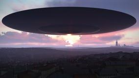 UFO über der Stadt Lizenzfreie Stockbilder