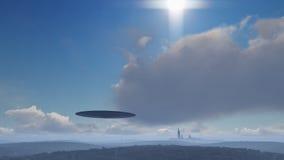 UFO über der Stadt Stockbild
