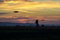 UFO-Anvisieren-Tätigkeit Lizenzfreie Stockbilder