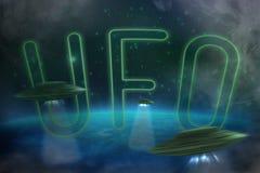 UFO avec un faisceau lumineux photographie stock