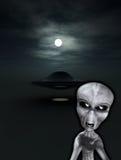 UFO con el extranjero enojado Fotografía de archivo