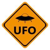 UFO dei segnali stradali del pericolo Fotografie Stock Libere da Diritti