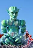 UFO del verde del carnaval de Viareggio fotografía de archivo libre de regalías