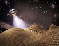 UFO die een planeet 3D illustratie bezoeken Stock Fotografie