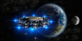 UFO do estrangeiro que aproxima a terra Imagens de Stock