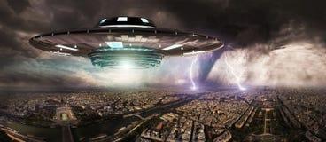 UFO invasionover planety ziemi miasta 3D rendering Fotografia Royalty Free