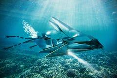 UFO nell'ambito del lato dell'acqua illustrazione di stock