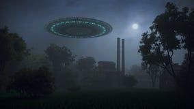 UFO nella foresta di notte Immagini Stock