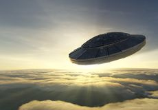 Ufo over wolken royalty-vrije illustratie
