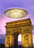 UFO sobre Paris Fotografia de Stock