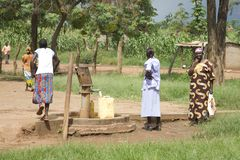 Uganda-Quellwasser-Pumpe Stockfotos
