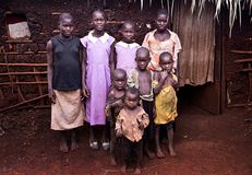 Ugandisk familj i Jinja arkivbilder